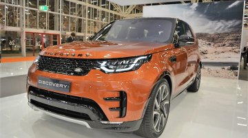 2017 Land Rover Discovery - Bologna Motor Show Live