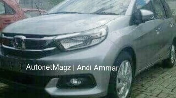 2017 Honda Mobilio spied at a dealer stockyard - Indonesia