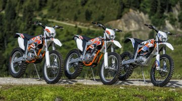 KTM spotted testing out an electric KTM Duke motorcycle