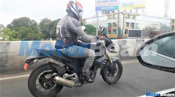 New low-cost Mahindra Mojo variant spotted on test