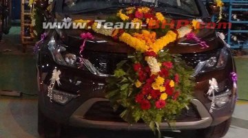 Limited-edition Tata Hexa with new body paint spied