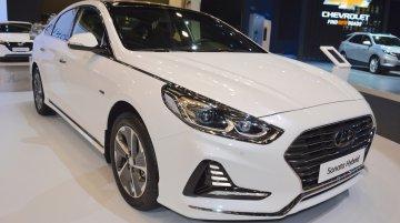 2018 Hyundai Sonata Hybrid (facelift) at 2017 Dubai Motor Show