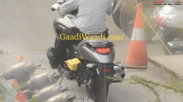 Suzuki Intruder 150 spied on-road for the first time