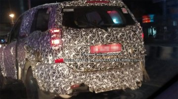2018 Mahindra XUV500 (facelift) continues testing in India