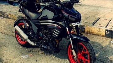 Kawasaki Z1000-inspired custom Mahindra Mojo