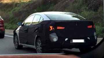 Facelifted Hyundai Elantra (Hyundai Avante) spied testing for the first time