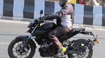 Yamaha MT-15 (naked Yamaha R15) makes spy pic debut in India