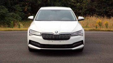 2019 Skoda Superb (facelift) revealed in leaked images