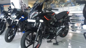 New 2019 Bajaj Pulsar 180F spotted at a dealership