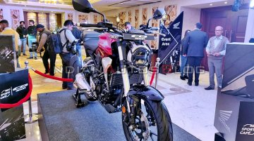 Honda CB300R Accessorised version showcased at the launch