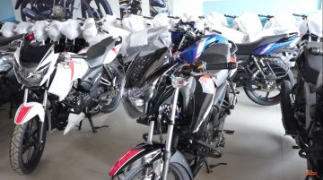 TVS Apache RTR 160 ABS reaches dealership [Video]