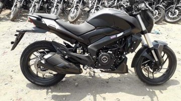 Matte black Bajaj Dominar 400 spotted for the first time