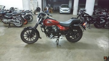 Check out the new Bajaj Avenger 160 Street ABS in detail [Walkaround Video]