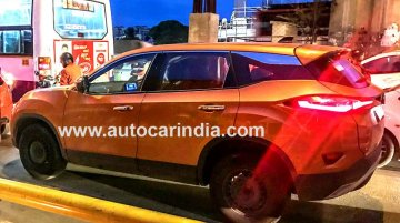 Tata Harrier with sunroof and automatic transmission spied