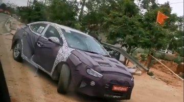 2019 Hyundai Elantra (facelift) spied in India yet again [Video]