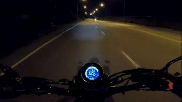 Yamaha XSR155 top speed attempt caught on camera