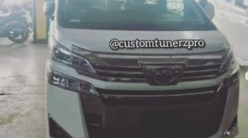 Toyota Vellfire snapped at a dealership in India, has no infotainment system