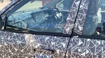 Next-gen 2020 Mahindra XUV500 interior spied