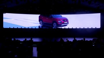 Tata Harrier with panoramic sunroof - Image Gallery