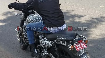 New variant of next-gen Royal Enfield Thunderbird 350X without split seats spied
