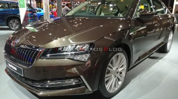 2020 Skoda Superb (facelift) - Live From Auto Expo 2020