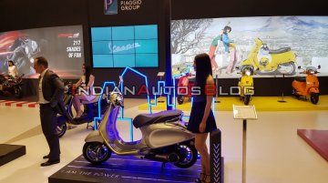 Vespa Elettrica showcased in India - Live From Auto Expo 2020