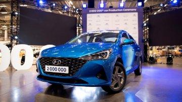 Hyundai Verna फेसलिफ्ट के स्पेसिफिकेशन और फीचर से हटा पर्दा
