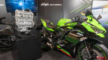 Kawasaki ZX-25R along with its 250 cc 4-cylinder engine displayed in Japan [Video]