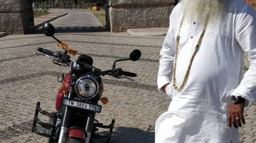 Sadhguru test rides the Jawa Forty Two, praises it [Video]