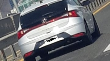 First 2020 Hyundai i20 sans camouflage hits the road