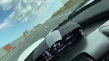 Ferrari LaFerrari driven at 372 km/h on an open highway [Video]