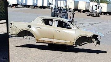 India-bound 2021 Hyundai Tucson-based Hyundai Santa Cruz truck spied [Update]