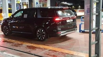 2021 Kia Carnival Spotted On Roads For First Time After Its Official Unveil