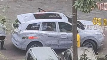Next-Gen Mahindra XUV500 To Come With Panoramic Sunroof