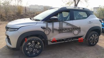 Renault Kiger Starts Reaching Dealerships Ahead Of Launch; Spotted In Three New Colors