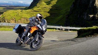 KTM 1190 Adventure mid corner
