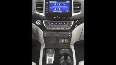 2016 Honda Pilot infotainment system press shots