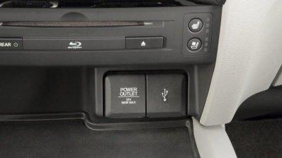 2016 Honda Pilot power outlet press shots