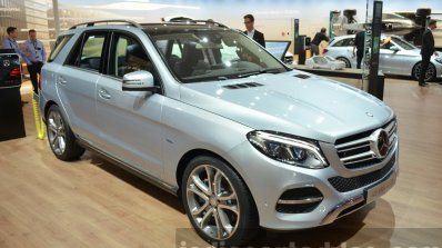 2015 Mercedes GLE front three quarter at the IAA 2015
