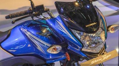 Honda CB Shine SP headlamp at Auto Expo 2016