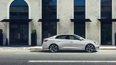 2016 Renault Megane Sedan right side second image