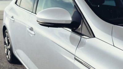 2016 Renault Megane Sedan side view