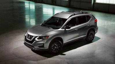 2017 Nissan Rogue Midnight Edition front three quarters