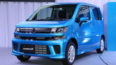2017 Suzuki Wagon R Hybrid FZ front three quarters