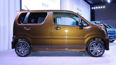 2017 Suzuki Wagon R Stingray Hybrid T right side