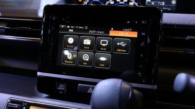 2017 Suzuki Wagon R infotainment system