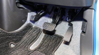 2017 Suzuki Wagon R pedals
