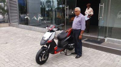 Aprilia Vespa Enter Sri Lanka With India Made Vehicles