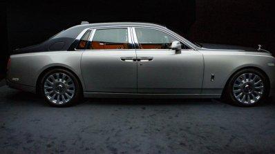 2018 Rolls-Royce Phantom profile
