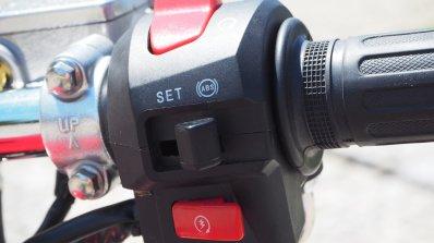 Jawa 350 OHC live images switchgear right